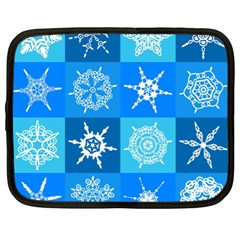Seamless Blue Snowflake Pattern Netbook Case (XL)