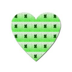 Shamrock Pattern Heart Magnet