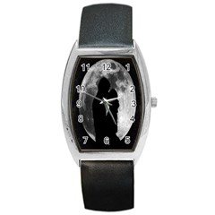 Silhouette Of Lovers Barrel Style Metal Watch