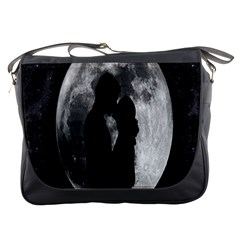Silhouette Of Lovers Messenger Bags