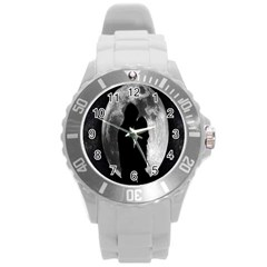 Silhouette Of Lovers Round Plastic Sport Watch (l)