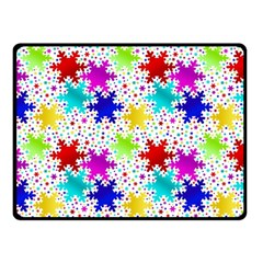 Snowflake Pattern Repeated Fleece Blanket (Small)