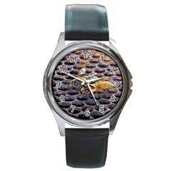Worker Bees On Honeycomb Round Metal Watch