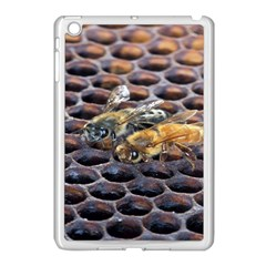 Worker Bees On Honeycomb Apple Ipad Mini Case (white)