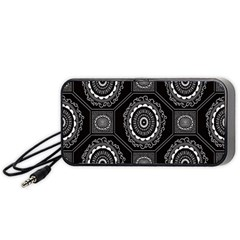 Circle Plaid Black Floral Portable Speaker (Black)