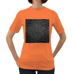 Black White Crocodile Background Women s Dark T-Shirt