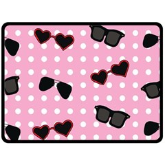 Pisunglass Tech Pink Pattern Fleece Blanket (Large)
