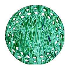 Green Background Pattern Round Filigree Ornament (Two Sides)