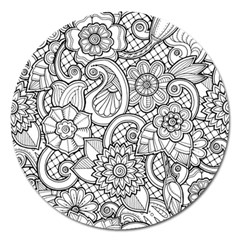 These Flowers Need Colour! Magnet 5  (Round)