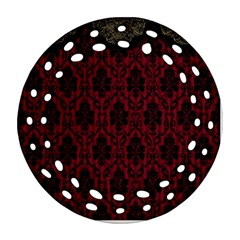 Elegant Black And Red Damask Antique Vintage Victorian Lace Style Ornament (Round Filigree)