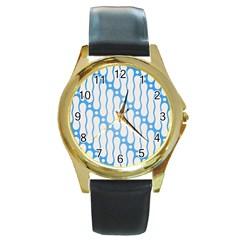 Batik Pattern Round Gold Metal Watch