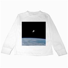 Amazing Stunning Astronaut Amazed Kids Long Sleeve T-Shirts