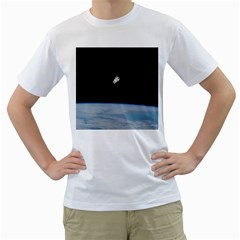 Amazing Stunning Astronaut Amazed Men s T-Shirt (White)
