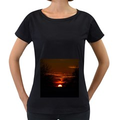 Sunset Sun Fireball Setting Sun Women s Loose Fit T Shirt (black)