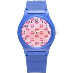 Watercolor Kisses Patterns Round Plastic Sport Watch (S)