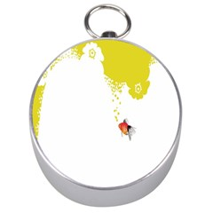 Fish Underwater Yellow White Silver Compasses
