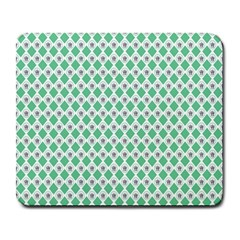 Crown King Triangle Plaid Wave Green White Large Mousepads