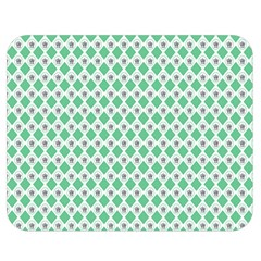 Crown King Triangle Plaid Wave Green White Double Sided Flano Blanket (Medium)