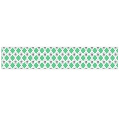Crown King Triangle Plaid Wave Green White Flano Scarf (Large)