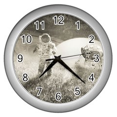 Astronaut Space Travel Space Wall Clocks (Silver)