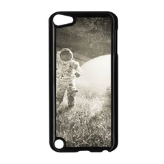 Astronaut Space Travel Space Apple iPod Touch 5 Case (Black)