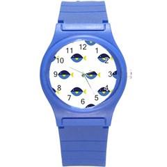 Blue Fish Swim Yellow Sea Beach Round Plastic Sport Watch (S)