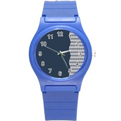 Argyle Triangle Plaid Blue Grey Round Plastic Sport Watch (S)