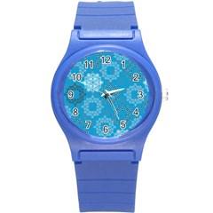 Flower Star Blue Sky Plaid White Froz Snow Round Plastic Sport Watch (S)