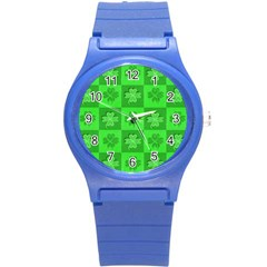 Fabric Shamrocks Clovers Round Plastic Sport Watch (S)