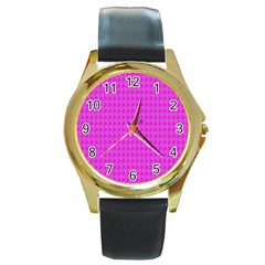 Clovers On Pink Round Gold Metal Watch