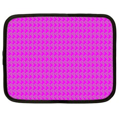 Clovers On Pink Netbook Case (XL)