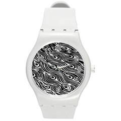 Digitally Created Peacock Feather Pattern In Black And White Round Plastic Sport Watch (M)