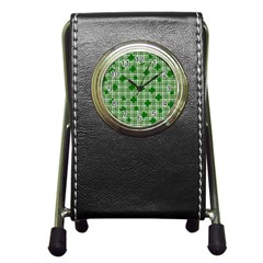 St. Patrick s day pattern Pen Holder Desk Clocks
