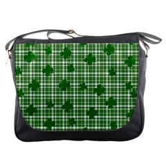 St. Patrick s day pattern Messenger Bags