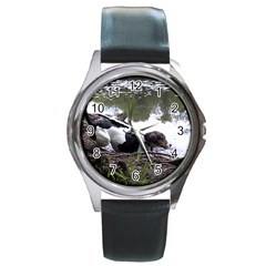 Treeing Walker Coonhound In Water Round Metal Watch