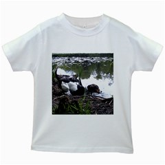 Treeing Walker Coonhound In Water Kids White T-Shirts