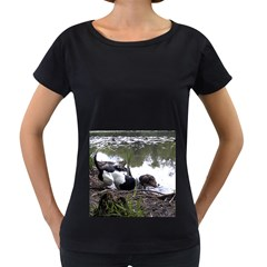Treeing Walker Coonhound In Water Women s Loose-Fit T-Shirt (Black)