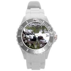 Treeing Walker Coonhound In Water Round Plastic Sport Watch (L)