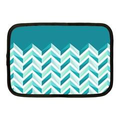 Zigzag pattern in blue tones Netbook Case (Medium)