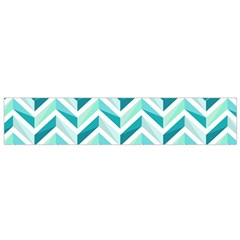 Zigzag pattern in blue tones Flano Scarf (Small)