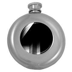 Wall White Black Abstract Round Hip Flask (5 Oz)