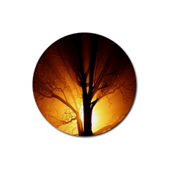 Rays Of Light Tree In Fog At Night Rubber Round Coaster (4 Pack)