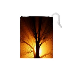Rays Of Light Tree In Fog At Night Drawstring Pouches (Small)