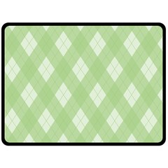 Plaid pattern Fleece Blanket (Large)