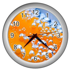 Bubbles Background Wall Clocks (silver)