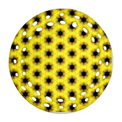 Yellow Fractal In Kaleidoscope Round Filigree Ornament (two Sides)