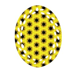 Yellow Fractal In Kaleidoscope Oval Filigree Ornament (Two Sides)