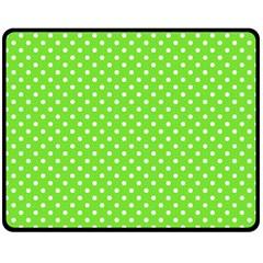 Polka dots Fleece Blanket (Medium)