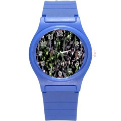 Floral Pattern Background Round Plastic Sport Watch (S)
