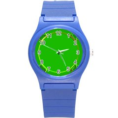 Green Circle Fractal Frame Round Plastic Sport Watch (S)